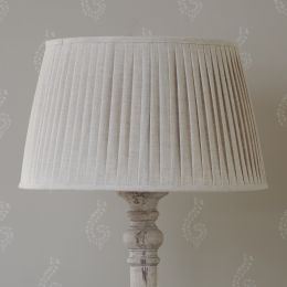 "Natural Linen 22"" Pleated Lampshade"