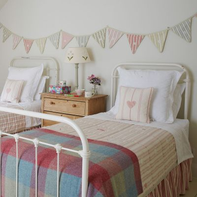 Daisy Chain Bunting