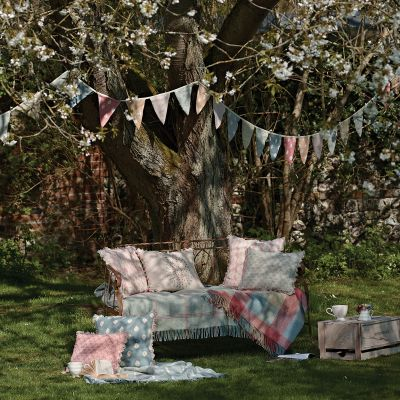 Mika & Sprig Bunting