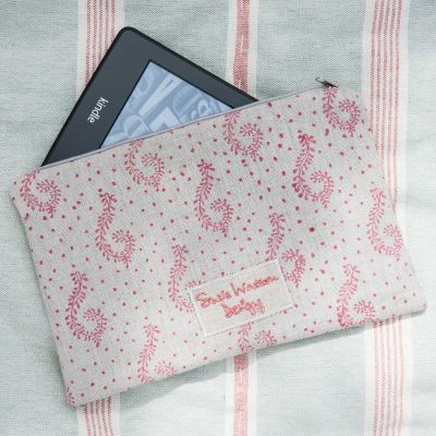 Kindle Case in Red Shalini