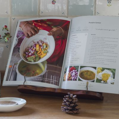Mrs Ravi's Indian Cookbook