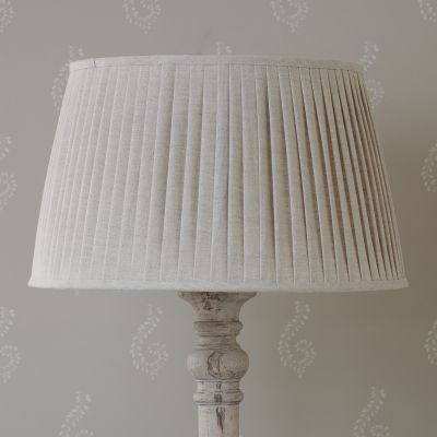"Plain Linen 22"" Pleated Lampshade"