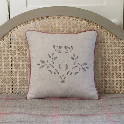 Embroidered Maja Linen Cushion
