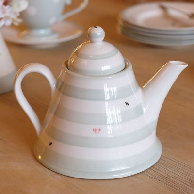 Honey Bees Conical Teapot
