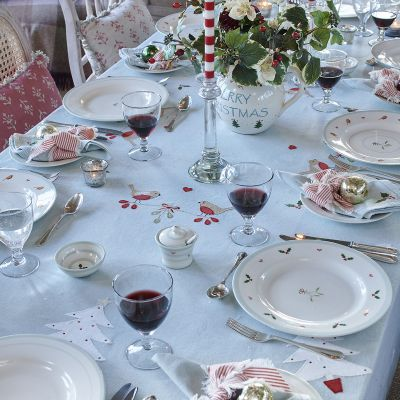 Robin & Rosehip Christmas Tablecloth – Medium square