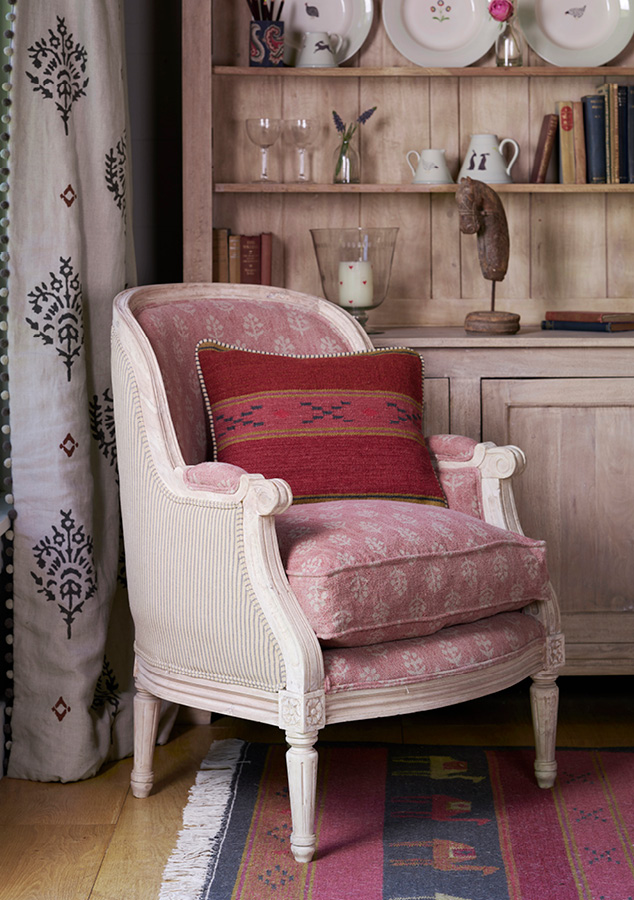 damson colour of the month