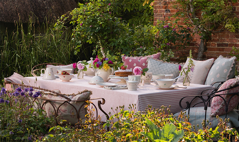 Save on Summer Table Linen